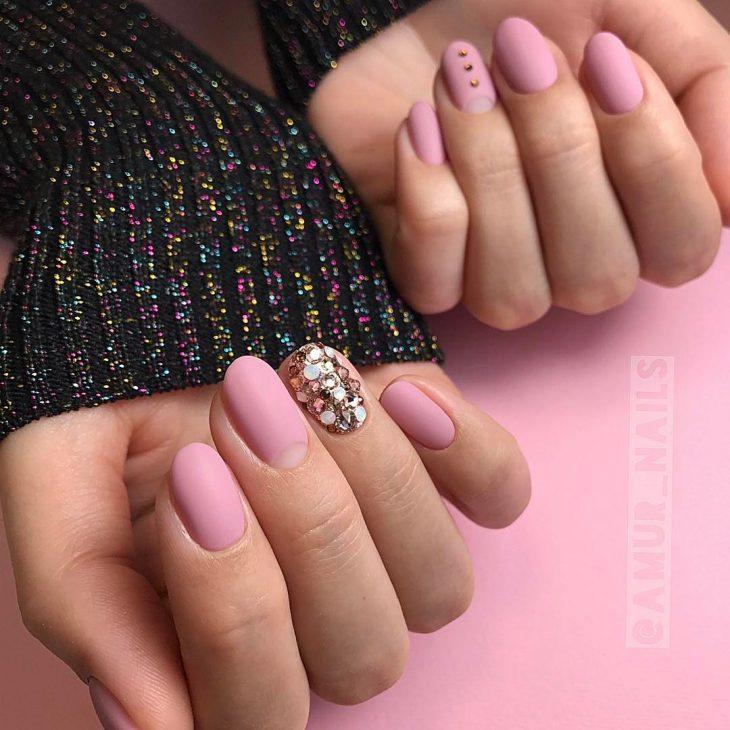 Фото с квадратными нарощенными ногтями 58