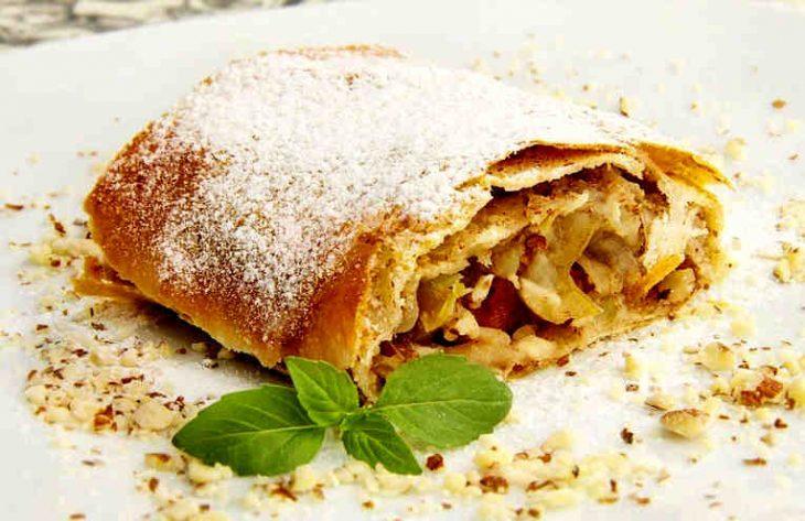 Яблочный пирог штрудель